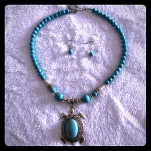 Knecklace Aquamarine Stone with Turtle w/earrings